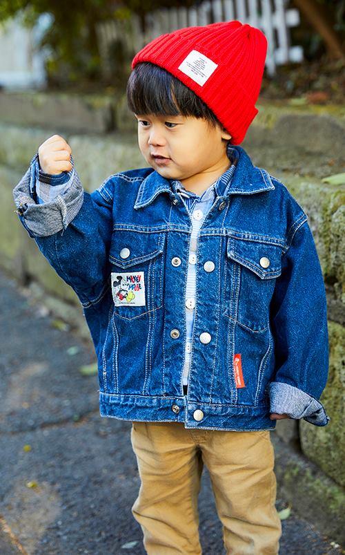 boyはニット帽やチノパンを合わせて、<br /> ストリート風なテイストを満喫!&#8221; /></p> <p class=