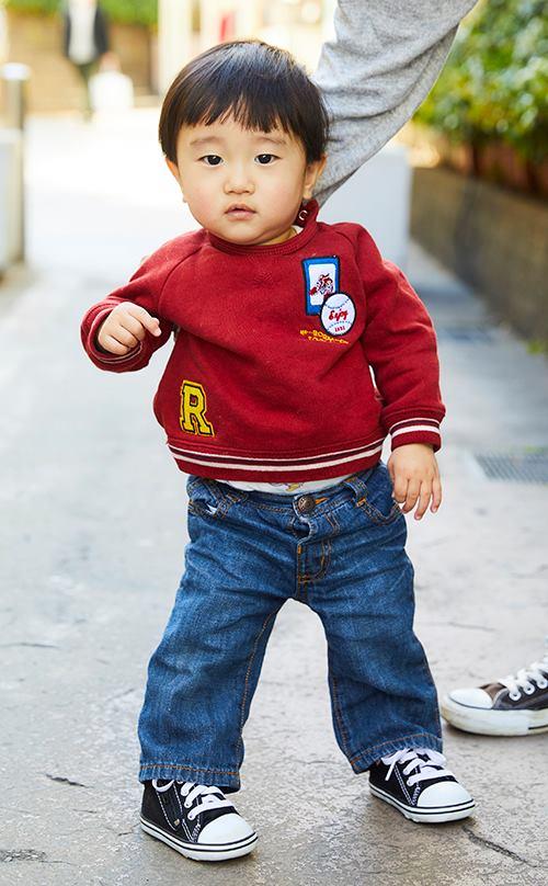 kidsは赤いスウェットを選んで元気よく◎