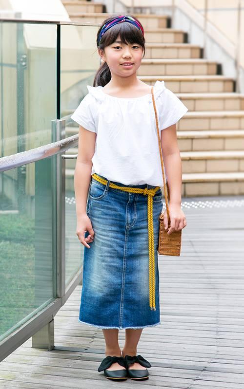 kidsもホワイト×デニムを合わせて親子のテンションを統一♪<br /> デニムスカートでガーリーな気分に♡&#8221; /></p> <p class=