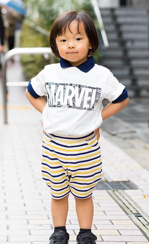 boyはボーダー柄のパンツを合わせたポップな装い。<br /> インナーに着たポロシャツの襟できちんと感も演出☆&#8221; /></p> <p class=