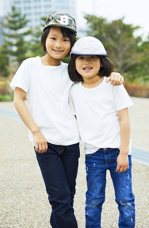 kidsは兄弟でキャップの柄やデニムの色で少しずつ変化をつけて個性を主張☆