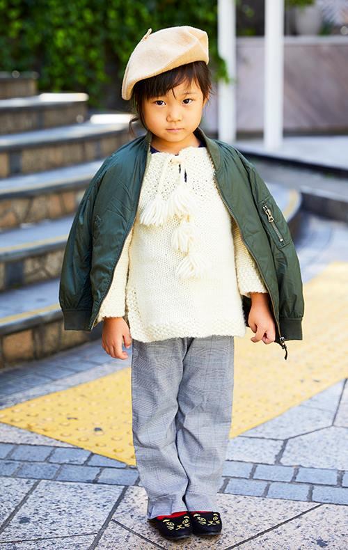 kidsはやさしい色味のニットに、MA-1を羽織って甘辛MIXにチャレンジ☆