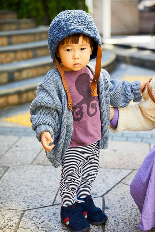 kidsはオーバーサイズのカーディガンを羽織って、シルエットにメリハリをオン☆