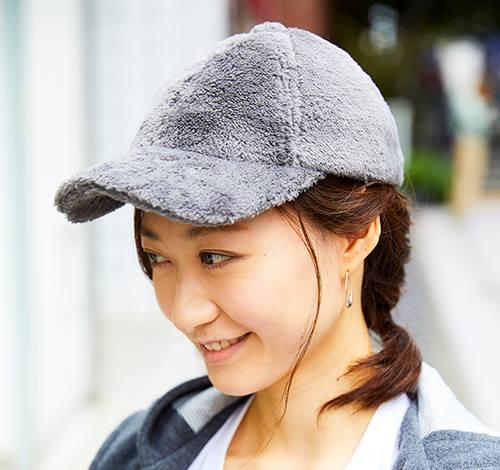 起毛素材のキャップを選んでちょっぴりガームーなムードに♡/></p> <p class=