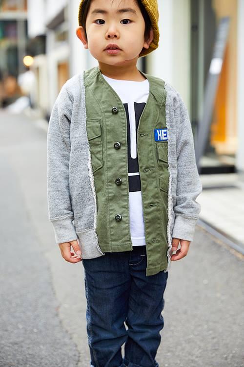 スウェット×ミリタリーの切り替えしが印象的なジャケットを羽織って個性を主張!