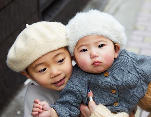 kidsはベレー帽を仲良くシェアしてテンションを統一☆