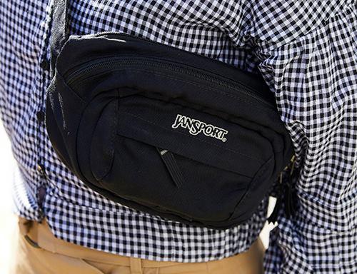 ウェストバッグを選んで、スポーティな要素をプラス!/></p> <p class=