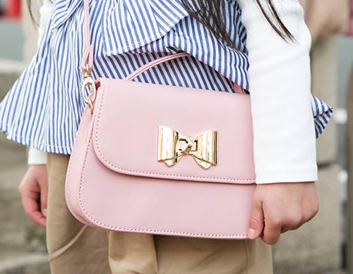 ピンクのバッグを選んで、親子のテンションを仲良く統一♡