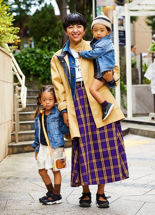 この秋に気になる紫カラースカートをポイントに子どもたちは黒茶をベースに☺