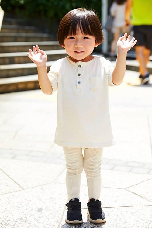 キッズはオールホワイトコーデで清楚な印象にまとめ☆