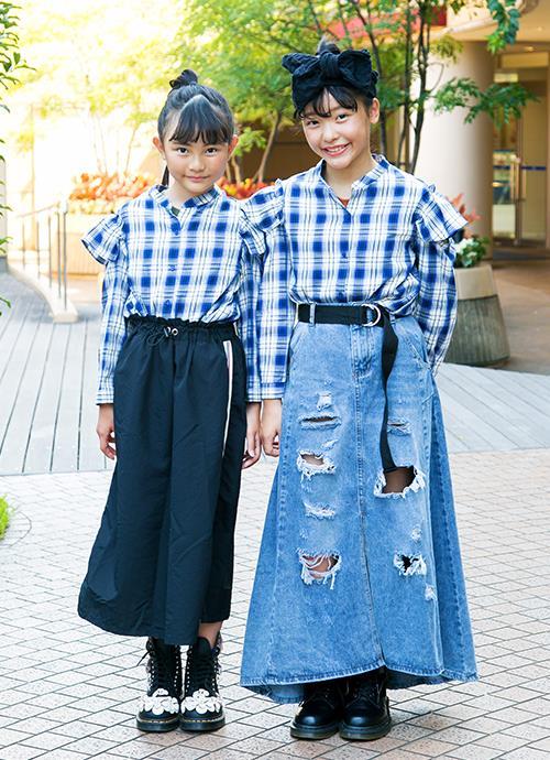 姉妹はスカートの素材を変えて、それぞれの個性を主張!