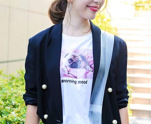 プリントTシャツでコーデを程よくカジュアルダウン♪/></p> <p class=
