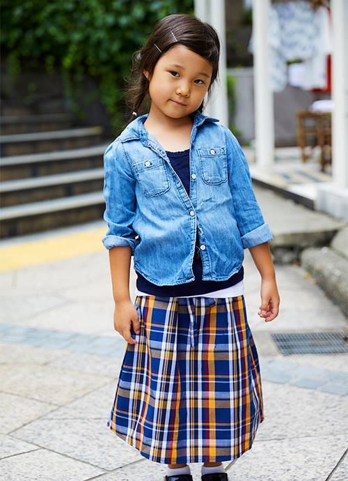 チェック柄のスカートでロンドンガールを意識♡