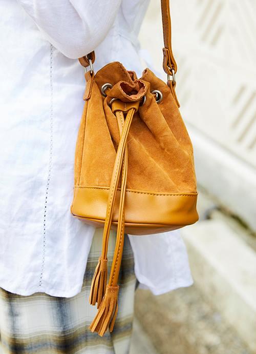 ミニマムサイズのバッグを選んで旬度をアップ!/></p> <p class=