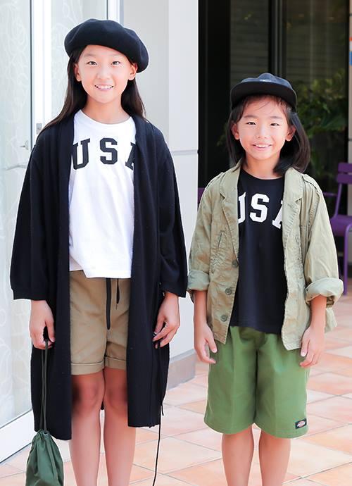 姉弟はお揃いのTシャツを色違いで選んで個性をアピール!