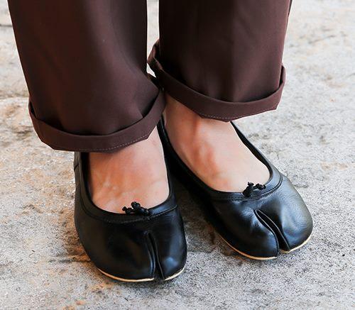マルジェラの足袋シューズで個性的なムードに!