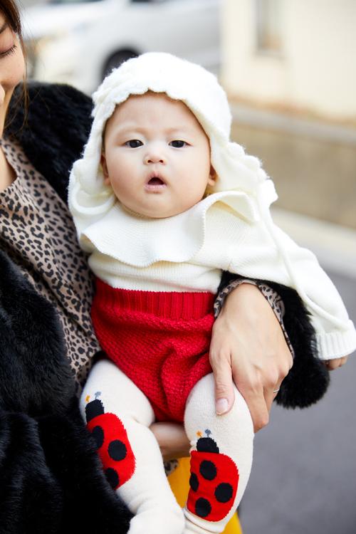 babyは白×赤のクリスマスカラーでキュートに♡