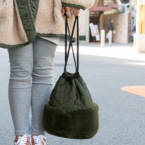 キルティング×ボア×巾着でトレンド感満載のバッグ!