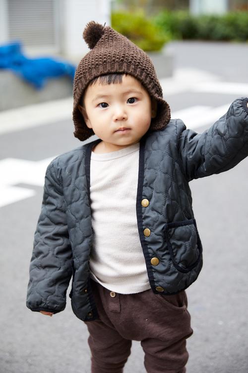 babyはポンポン付の帽子で愛らしく♡