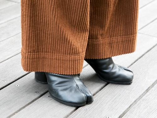 黒の足袋ブーツ