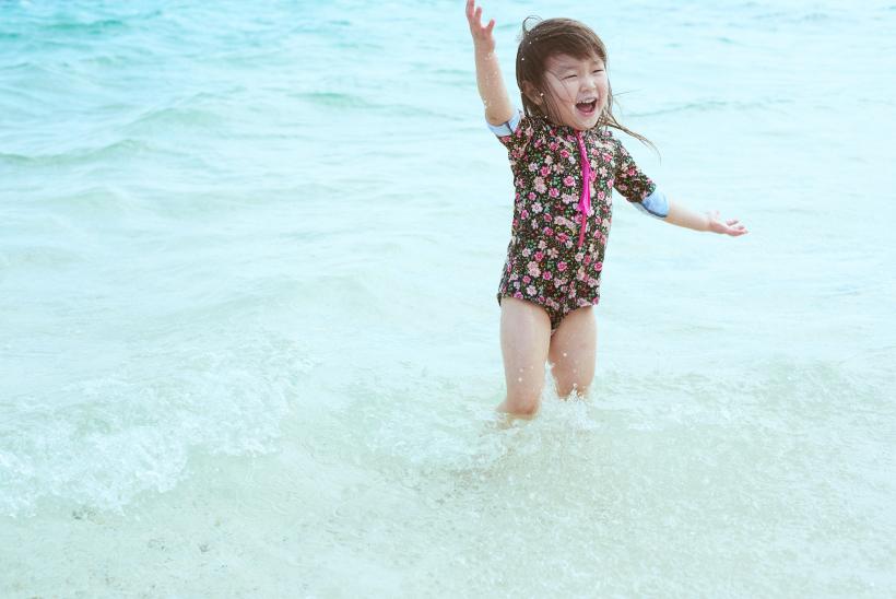 石垣島の海で遊ぶなまこちゃん