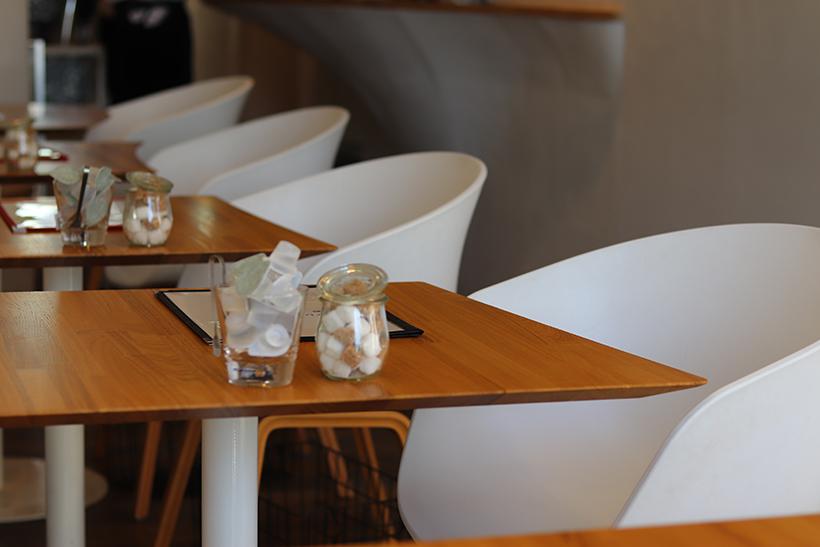 たくさんあるテーブル席