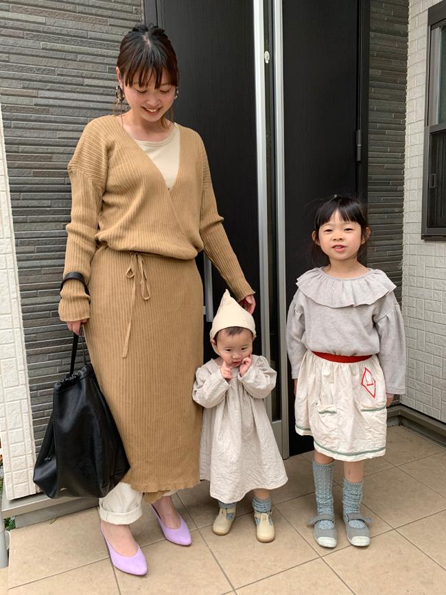 おしゃれママ佐藤さんのベージュ親子リンクコーデ